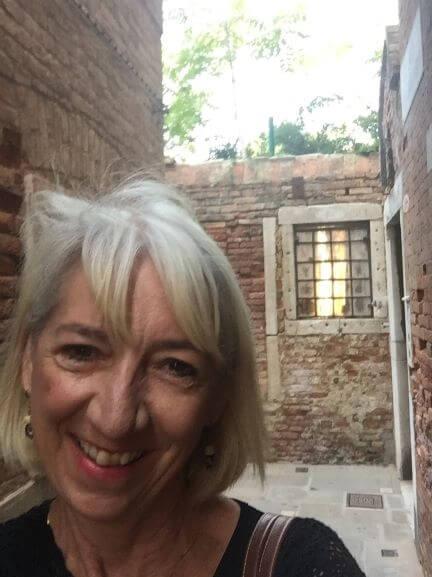 Kathie R Krueger